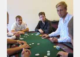 Pokerový dealer
